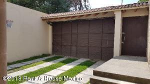 Casa En Rentaen Huixquilucan, La Herradura, Mexico, MX RAH: 18-599