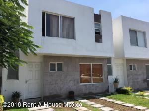 Casa En Ventaen Corregidora, El Pueblito, Mexico, MX RAH: 18-624