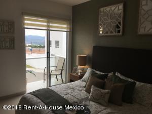 Casa En Rentaen Queretaro, San Isidro Juriquilla, Mexico, MX RAH: 18-625