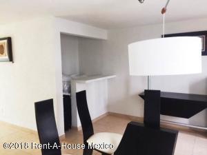 Casa En Ventaen Naucalpan De Juarez, Lomas Verdes, Mexico, MX RAH: 18-651