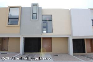 Casa En Rentaen El Marques, Zibata, Mexico, MX RAH: 18-667