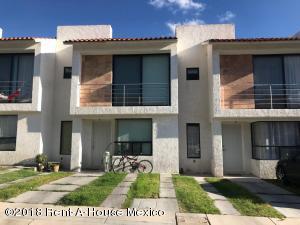Casa En Rentaen Queretaro, El Mirador, Mexico, MX RAH: 18-725