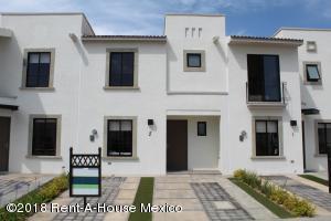 Casa En Ventaen Queretaro, El Mirador, Mexico, MX RAH: 18-803