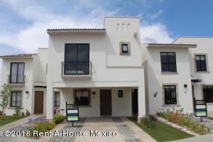 Casa En Ventaen Queretaro, El Mirador, Mexico, MX RAH: 18-805