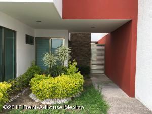 Casa En Ventaen Queretaro, Cumbres Del Lago, Mexico, MX RAH: 18-811