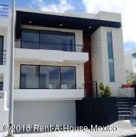 Casa En Rentaen El Marques, Zibata, Mexico, MX RAH: 18-834