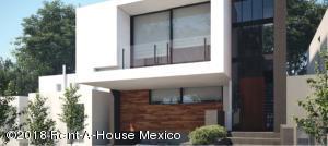 Casa En Ventaen El Marques, Zibata, Mexico, MX RAH: 18-837