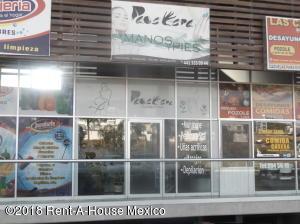 Local Comercial En Rentaen Queretaro, Cumbres Del Lago, Mexico, MX RAH: 18-845