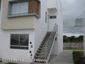 Departamento En Ventaen El Marques, Paseos Del Maques, Mexico, MX RAH: 18-849