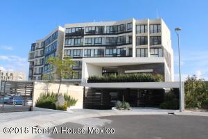 Departamento En Rentaen El Marques, Zibata, Mexico, MX RAH: 18-860