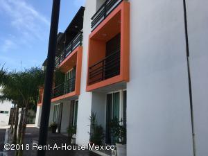 Departamento En Rentaen Corregidora, El Pueblito, Mexico, MX RAH: 18-940