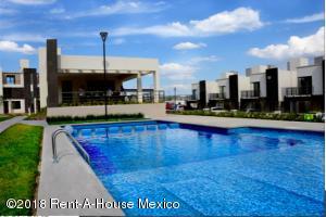 Casa En Ventaen Queretaro, El Mirador, Mexico, MX RAH: 18-986