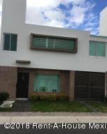 Casa En Rentaen Queretaro, El Mirador, Mexico, MX RAH: 18-993