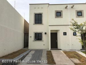 Casa En Rentaen Queretaro, El Mirador, Mexico, MX RAH: 19-1