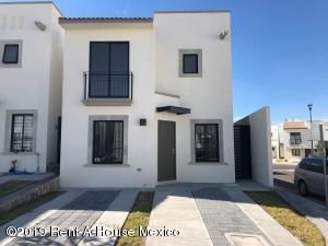 Casa En Rentaen Queretaro, El Mirador, Mexico, MX RAH: 19-5