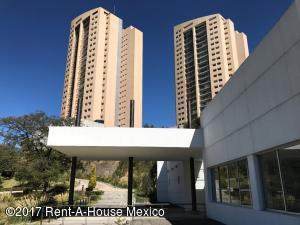 Departamento En Ventaen Huixquilucan, Bosque Real, Mexico, MX RAH: 19-264