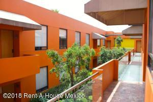 Departamento En Rentaen Cuajimalpa De Morelos, Lomas De Memetla, Mexico, MX RAH: 19-320