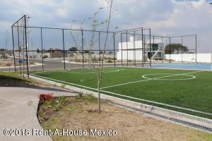 Terreno En Ventaen Queretaro, El Mirador, Mexico, MX RAH: 19-377