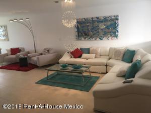 Casa En Ventaen El Marques, Zibata, Mexico, MX RAH: 19-385