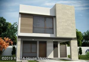 Casa En Ventaen El Marques, Zibata, Mexico, MX RAH: 19-387