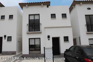Casa En Ventaen Queretaro, San Isidro Juriquilla, Mexico, MX RAH: 19-433