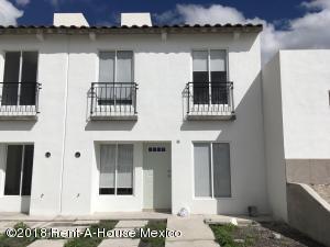 Casa En Ventaen Queretaro, Ciudad Del Sol, Mexico, MX RAH: 19-451