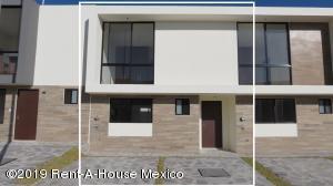 Casa En Rentaen Queretaro, El Refugio, Mexico, MX RAH: 19-472