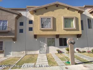 Casa En Rentaen Queretaro, Ciudad Del Sol, Mexico, MX RAH: 19-478