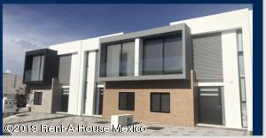 Casa En Ventaen Queretaro, El Refugio, Mexico, MX RAH: 19-515