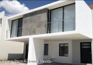 Casa En Ventaen Queretaro, El Refugio, Mexico, MX RAH: 19-516