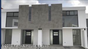 Casa En Ventaen Queretaro, El Refugio, Mexico, MX RAH: 19-518