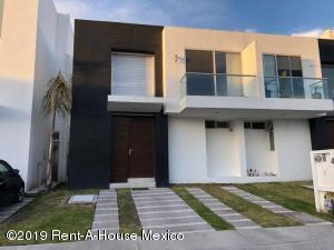 Casa En Rentaen Queretaro, El Refugio, Mexico, MX RAH: 19-595