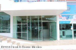 Local Comercial En Rentaen Queretaro, Bugambilias, Mexico, MX RAH: 19-612