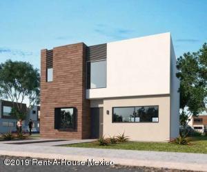 Casa En Ventaen El Marques, Zibata, Mexico, MX RAH: 19-624