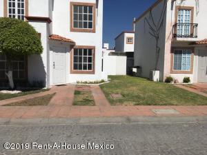 Casa En Ventaen Corregidora, El Pueblito, Mexico, MX RAH: 19-632