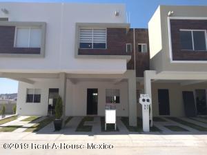 Casa En Ventaen Queretaro, Ciudad Del Sol, Mexico, MX RAH: 19-643
