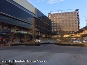 Local Comercial En Rentaen Queretaro, Centro, Mexico, MX RAH: 19-693