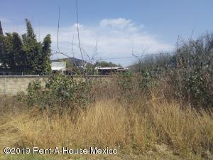 Terreno En Ventaen Queretaro, Juriquilla, Mexico, MX RAH: 19-702
