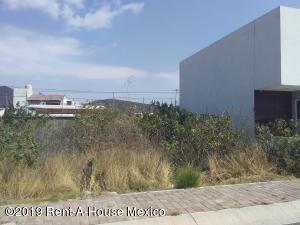 Terreno En Ventaen Queretaro, Juriquilla, Mexico, MX RAH: 19-704