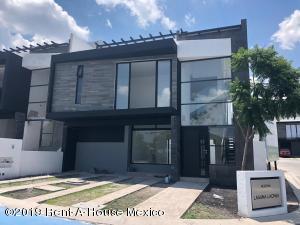 Casa En Ventaen Queretaro, San Isidro Juriquilla, Mexico, MX RAH: 19-720