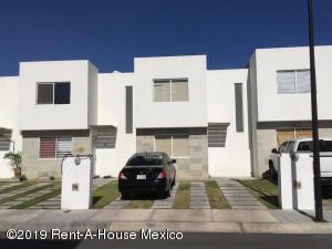 Casa En Rentaen Corregidora, El Pueblito, Mexico, MX RAH: 19-734