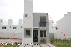 Casa En Ventaen Queretaro, Santa Maria Magdalena, Mexico, MX RAH: 19-747