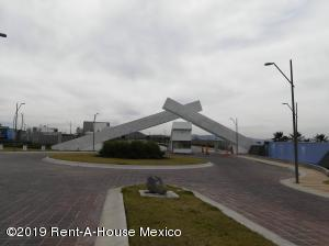 Terreno En Ventaen Queretaro, Cimatario, Mexico, MX RAH: 19-774