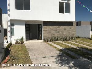 Casa En Ventaen Queretaro, La Vista, Mexico, MX RAH: 19-785