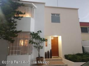 Casa En Ventaen Naucalpan De Juarez, Lomas Verdes, Mexico, MX RAH: 19-851