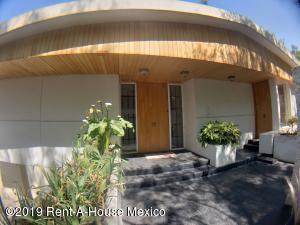Casa En Rentaen Miguel Hidalgo, Bosques De Las Lomas, Mexico, MX RAH: 19-875