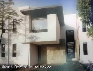 Casa En Ventaen El Marques, Zibata, Mexico, MX RAH: 19-880