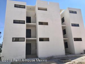 Departamento En Ventaen Queretaro, Jardines De Queretaro, Mexico, MX RAH: 19-969