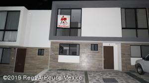 Casa En Rentaen Queretaro, El Refugio, Mexico, MX RAH: 19-1017