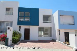 Casa En Rentaen Queretaro, Bugambilias, Mexico, MX RAH: 19-1037